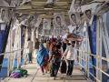 بدء التصويت في انتخابات بنجلاديش، وإحراق 100 مقر انتخابي
