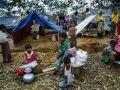 اليونيسف تدعم إقامة آلاف دورات المياه في مخيمات الروهينجا لتجنب تفشي الأمراض