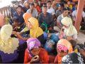 شاهد: قارب يقل 76 من مسلمي الروهينغا يرسو في إندونيسيا