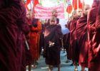 احتجاج في ولاية أراكان (راخين) على خطة لإعادة الروهينغا المس ...