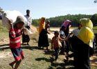 مئات من اللاجئين الروهينجا يغادرون بنجلادش عائدين إلى بلادهم