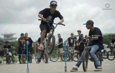 """دراجات """"بي ام اكس"""" هواية جديدة للشباب في بورما"""
