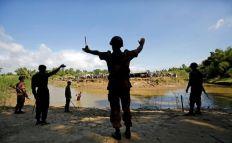 خبراء : ما يحصل في أراكان بورما ليس هجوما مسلحا وإنما أشبه بثورة أو انتفاضة شعبية