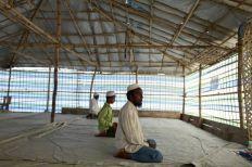 أراكان: منع أداء الصلاة جماعة لأكثر من أربعة أشخاص