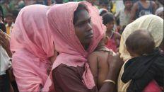 """من ميانمار إلى بنغلاديش.. لاجئو الروهنغيا يستجيرون من الموت بـ""""مخيمات العذاب"""" (تقرير)"""