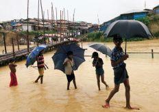بنجلادش تدعو للضغط على ميانمار للسماح بعودة الروهينجا إلى ديارهم