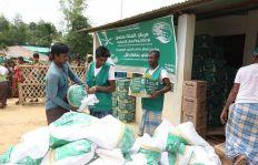 «سلمان للإغاثة» يواصل توزيع السلال الغذائية للاجئين الروهينجا