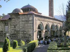 فصل من معاناة مسلمي مقدونيا