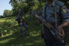هجوم بالسواطير على ثلاثة من عناصر الشرطة غرب بورما ومقتل المهاجمين