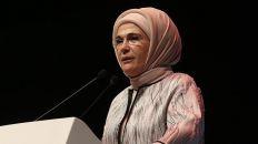 عقيلة أردوغان تحث نظيراتها على التعاون لوقف المجازر بحق الروهنغيا