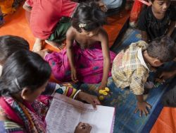 اليونيسف تقوم بإنشاء مراكز تعلم جديدة لأطفال الروهينجا اللاجئين. (بالصور)
