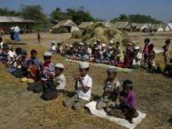 """ميانمار تتعهد التحقيق في """"انتهاكات"""" بحق الروهينغا"""