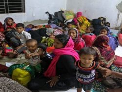 بنغلاديش: إجلاء مئات الآلاف من السكان مع وصول الإعصار مورا