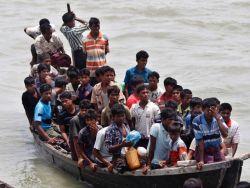أكثر من 90 من طالبي اللجوء عالقون في جزيرة نائية في إندونيسيا