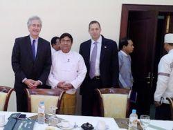 نائب وزيرة الخارجية الأمريكية يجتمع مع البرلمانيين العرقية في ميانمار