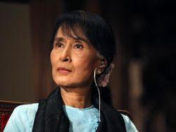 زعيمة ميانمار أونغ سان سو كي تفتح حسابا على موقع فيسبوك للتواصل الاجتماعي