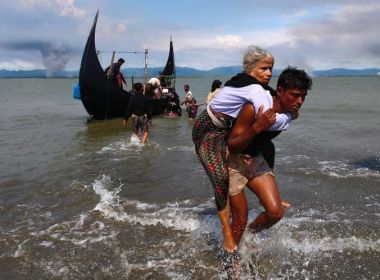 Burma: Military Massacres Dozens in Rohingya Village