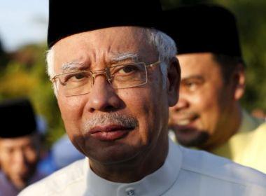 Malaysian PM tells Myanmar to 'stop the killing' of Rohingya, as Muslims meet