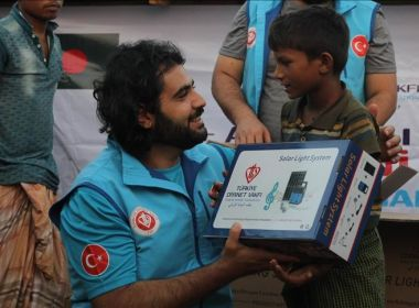 Turkish charity continues delivering aid to Rohingya