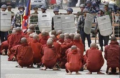 مسلمو بورما.. منسيون لا بواكيّ لهم