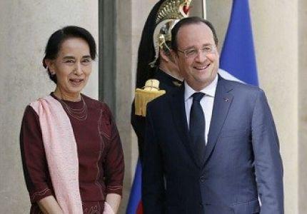 """رئيس فرنسا """"هولاند"""" يؤكد دعم بلاده للديمقراطية في ميانمار"""
