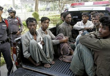 البحرية التايلاندية تقاضي صحفيين دوليين لتقاريرهم عن الاتجار بالروهنجيا