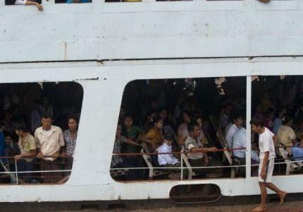 ميانمار: 33 قتيلاً في غرق عبارة وفقد 12 آخرين بسبب الحمولة الزائدة