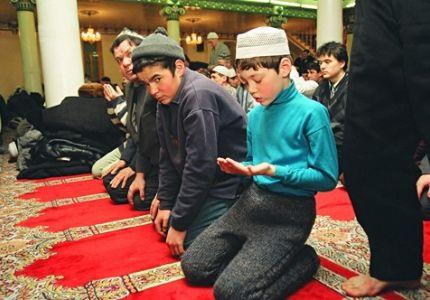 خبر دولي: اعتقال كل من يحمل كتاب حصن المسلم في روسيا