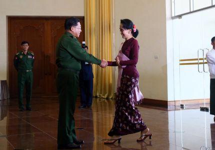 زعيمة المعارضة في ميانمار تتفق مع الرئيس على «انتقال سلس» للسلطة
