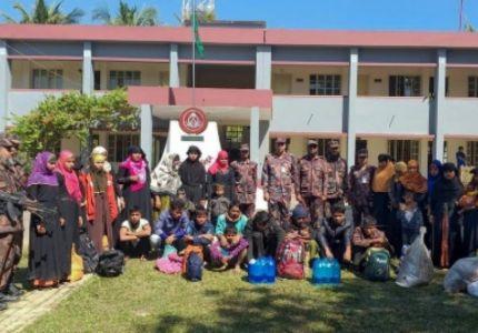 بنغلادش تعترض لاجئين من الروهينغا في طريقهم بحرا إلى ماليزيا