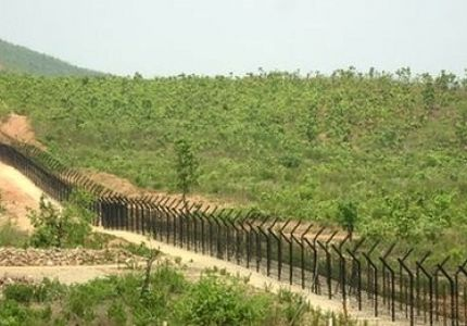 رواج تهريب السلع التموينية على طول الحدود بين بورما وبنجلاديش