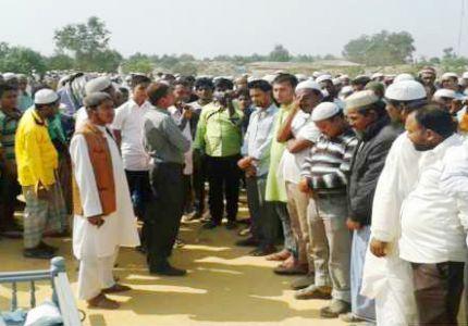 الآلاف يشيعون مؤرخاً روهنجياً بعد مقتله في بنجلاديش في ظروف غامضة