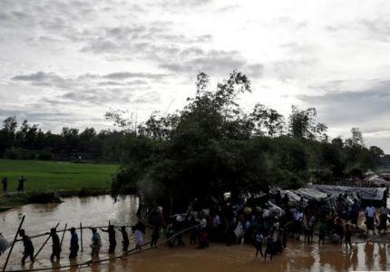 """رويترز: الروهينجا يستغيثون للخروج من ميانمار وسكان يهددونهم """"سنقتلكم جميعا"""""""
