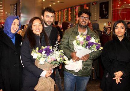 """صحفيا """"تي آر تي"""" التركية يصلان إسطنبول بعد إخلاء سبيلهما في ميانمار"""