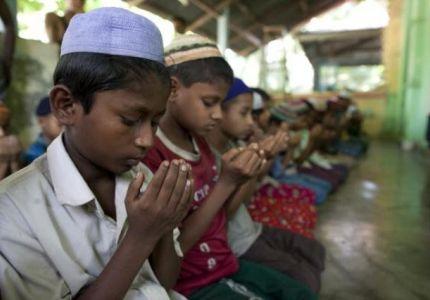 """""""التعاون الإسلامي"""" تدعو لتدخل الأمم المتحدة لوقف عمليات إبادة مسلمي الروهينجا"""