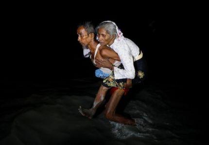 """أوراق الشجر .. طعام من تبقوا بمنطقة """"التطهير العرقي"""" في ميانمار"""