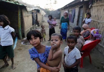 معتقلو الروهينغا خلال حملة أمنية في ميانمار بينهم أطفال