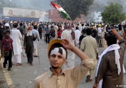تجدد الاشتباكات بين الشرطة والمتظاهرين في باكستان