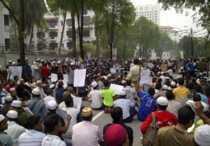ميانمار.. الآلاف يتضامنون مع مسلمي الروهنجيا