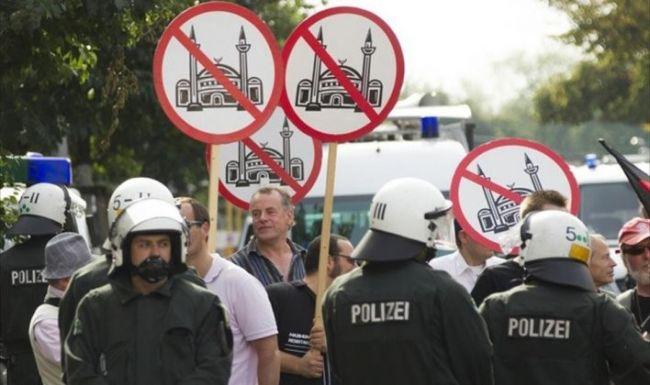 النمسا: عنصريون يعلقون رأس خنزير على باب مسجد
