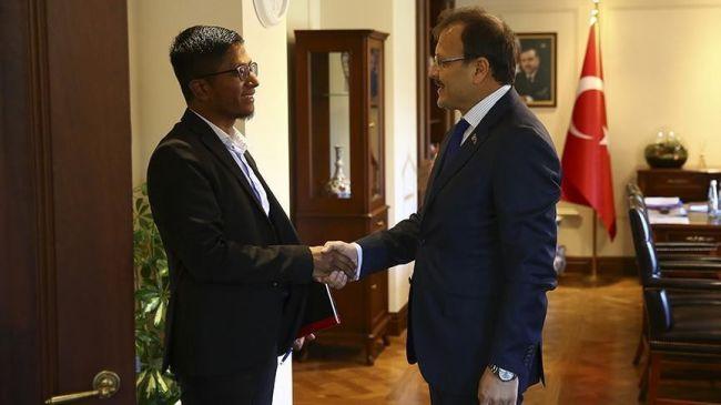 نائب يلدريم يستقبل رئيس المجلس الروهنغي الأوروبي