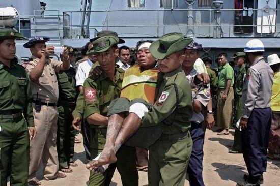 ارتفاع حصيلة غرق العبارة في بورما إلى 52 قتيلاً