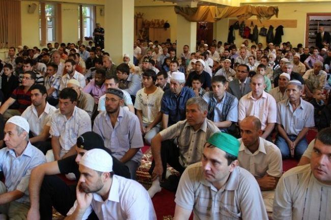 أوكرانيا: مسلمو تتارستان يتبرعون براتب يوم لدعم مسلمي القرم