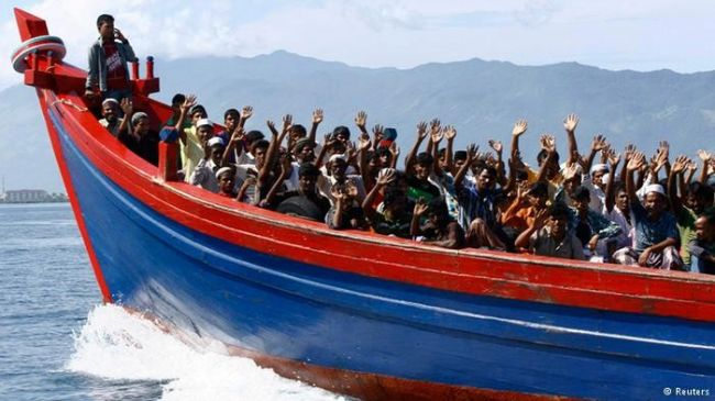 بنجلاديش تعترض قاربًا يقل 120 فردًا في طريقه لماليزيا