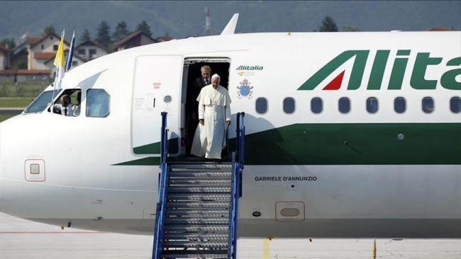 بابا الفاتيكان يصل ميانمار