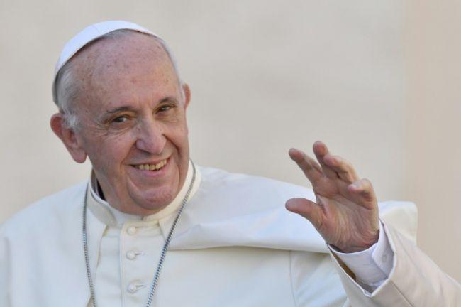 """استخدام البابا عبارة """"الروهينغا"""" يثير التوتر لدى كاثوليك بورما"""