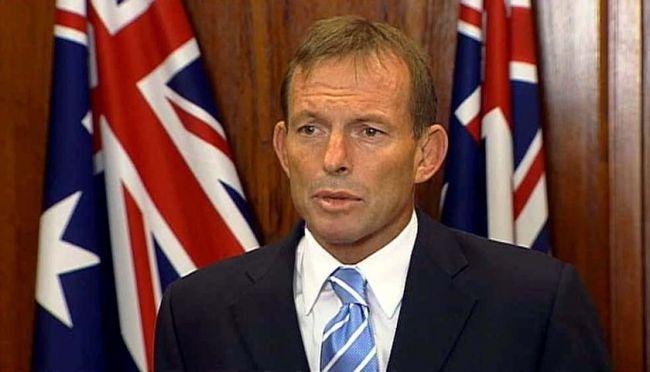 أستراليا تنفي دفع رشى للمهربين لإعادة قواربهم إلى إندونيسيا