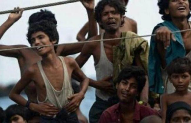 ميانمار تغلق 3 مخيمات للنازحين في أراكان