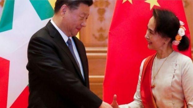 """فيسبوك يعتذر عن ترجمة اسم الرئيس الصيني بشكل """"غير لائق"""""""