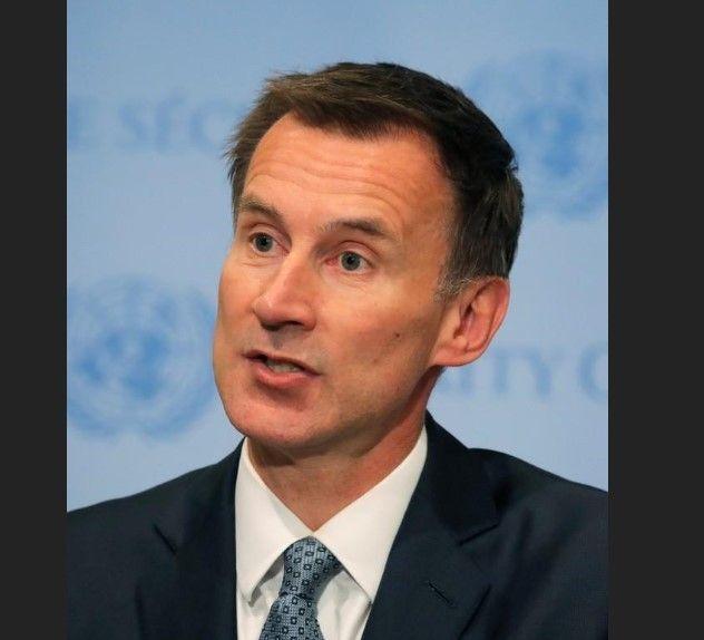 وزير خارجية بريطانيا سيزور ميانمار لبحث مسألة صحفيي رويترز المسجونين
